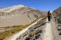 passaggio pedonale pittoresco nepalese di paesaggio Fotografie Stock