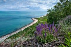 Passaggio pedonale sulla città della riva di Mar Nero di Balchik in Bulgaria Immagine Stock