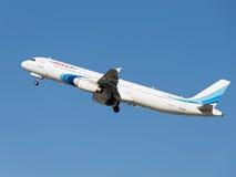Passagier Airbus A321-231 fliegt Stockbild
