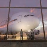 Passagier in de luchthaven stock fotografie