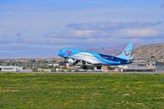 Passagier-Flugzeug-Abreise lizenzfreie stockfotos