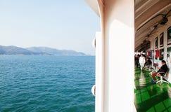 Passagier op Yeosu-het schip van de sightseeingscruise, Zuid-Korea stock afbeelding