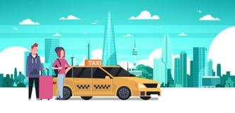 Passagier-Paar-Bestellungs-Gelb-Taxi-Service-Sit In Car Cab Over-Schattenbild-Stadt-Hintergrund stock abbildung
