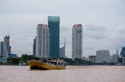 Passagierboot bei Chao Praya River, Bangkok Thailand stockfotografie