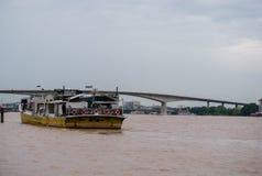 Passagierboot bei Chao Praya River, Bangkok Thailand Lizenzfreie Stockbilder