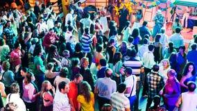 Passagiere auf Tanzabend während der Kreuzfahrt auf Zwischenlage stockfoto