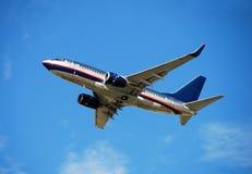 Passagierflugzeug Boeing-737 Lizenzfreie Stockfotografie