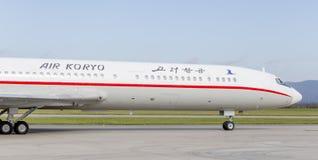Passagierflugzeuge Tupolev Tu-154 von Air Koryo Nordkorea auf Rollbahn Luftfahrt und Transport lizenzfreie stockfotos