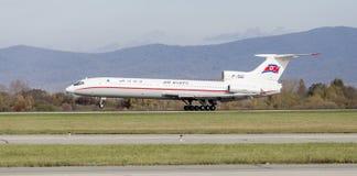 Passagierflugzeuge Tupolev Tu-154 von Air Koryo Nordkorea landet Luftfahrt und Transport stockfoto