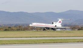 Passagierflugzeuge Tupolev Tu-154 von Air Koryo Nordkorea landet Luftfahrt und Transport lizenzfreie stockfotografie