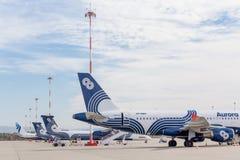 Passagierflugzeugflugzeuge Airbus A319 von Aurora Airlines auf Flugplatz Luftfahrt und Transport stockfoto