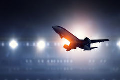 Passagierflugzeugstart Lizenzfreie Stockfotografie