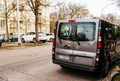Passagiermehrzweckfahrzeug Opel Vivaros BiTurbo Lizenzfreie Stockbilder