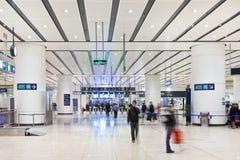 Passagiers bij het Zuidenstation van Peking Stock Fotografie