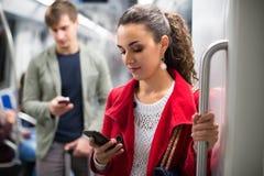 Passagiers in metro wagen royalty-vrije stock afbeeldingen