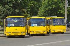 Passagiersbussen op de post Royalty-vrije Stock Foto's