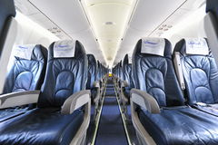 Passagierscabine van Bombardier Q400 de schroefturbinevliegtuigen van Nextgen in Singapore Airshow Royalty-vrije Stock Foto