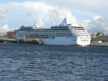 Passagiersschip in Heilige Petersburg Rusland Stock Foto's