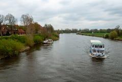 Passagiersschip op de rivier Weser stock foto's
