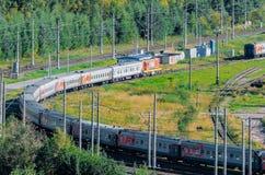Passagierstrein bij het wisselen van de spoorweg Rusland, heilige-Petersburg 21 september, 2017 Royalty-vrije Stock Foto