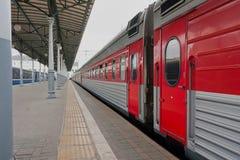 Passagierstrein op het platform Royalty-vrije Stock Foto's