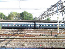 Passagierstrein op platform Stock Foto
