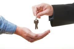 Passando chaves Fotografia de Stock