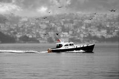 Passando o Bosphorus Imagens de Stock