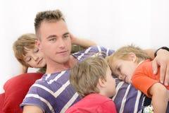Passando o tempo com família fotografia de stock royalty free