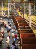 Passando o trem de mercadorias em um vazio Imagem de Stock Royalty Free