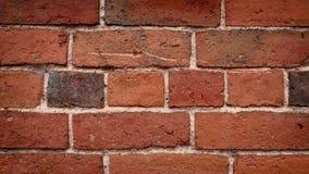 Passando a parede de tijolo vermelho filme