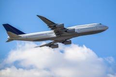 passanger vliegtuig het opstijgen Royalty-vrije Stock Fotografie