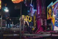 Passangers de l'attraction de panique au festival de gens dans le St poelten 2018 image stock
