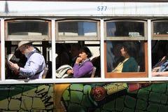 Passangers w starym tramwaju w Lisbon, Portugalia Zdjęcia Stock