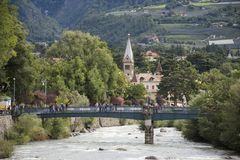 Passantfluß an Meran-Stadt in Merano, Italien stockfoto
