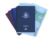 Passaporte australiano com euro Fotos de Stock