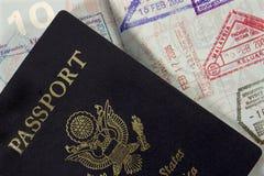 Passaporte com selos da entrada Imagem de Stock Royalty Free