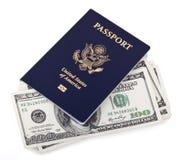 Passaporte & dinheiro dos EUA Fotografia de Stock Royalty Free