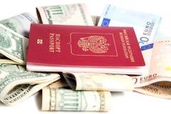 , Passaporte do russo e moeda Foto de Stock Royalty Free