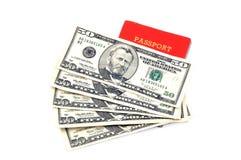 Passaporte e dinheiro Imagens de Stock Royalty Free