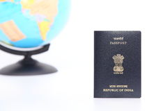 Passaporte e globo Fotografia de Stock