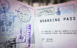Passaporte e passagem de embarque Imagens de Stock