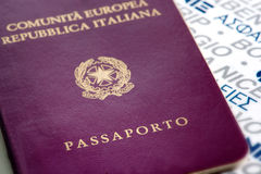 Passaporte italiano Foto de Stock Royalty Free