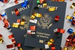 Passaporti con i coriandoli Fotografia Stock