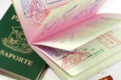 Passaporti filippini con i bolli di visto Fotografia Stock