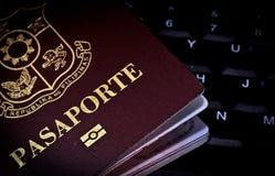 Passaporto & tastiera Fotografia Stock Libera da Diritti