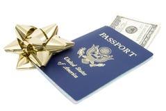Passaporto con soldi Fotografia Stock Libera da Diritti