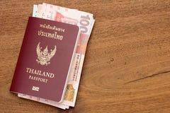 Passaporto della Tailandia con valuta di Hong Kong. Fotografie Stock