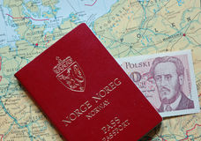 Passaporto e soldi Fotografie Stock