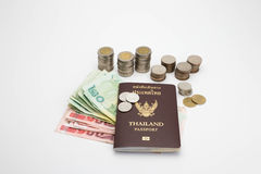 Passaporto e soldi Immagini Stock Libere da Diritti